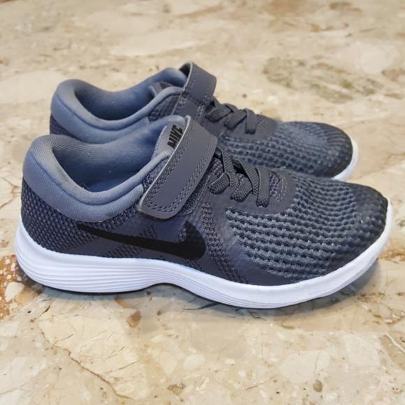 Nike Boys size 11.5c